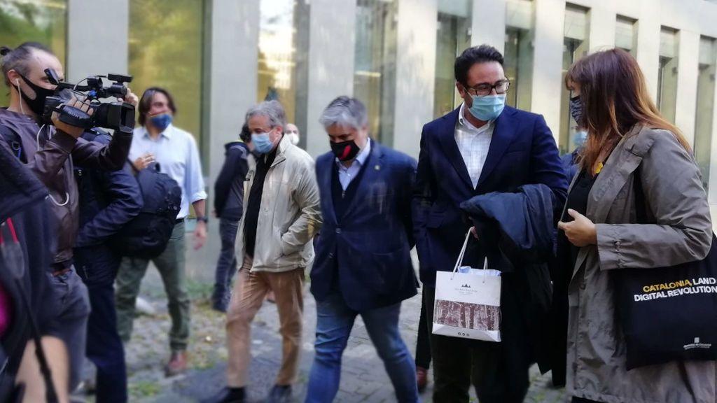 En libertad los nueve detenidos por el presunto desvío de fondos al independentismo tras pasar ante el juez