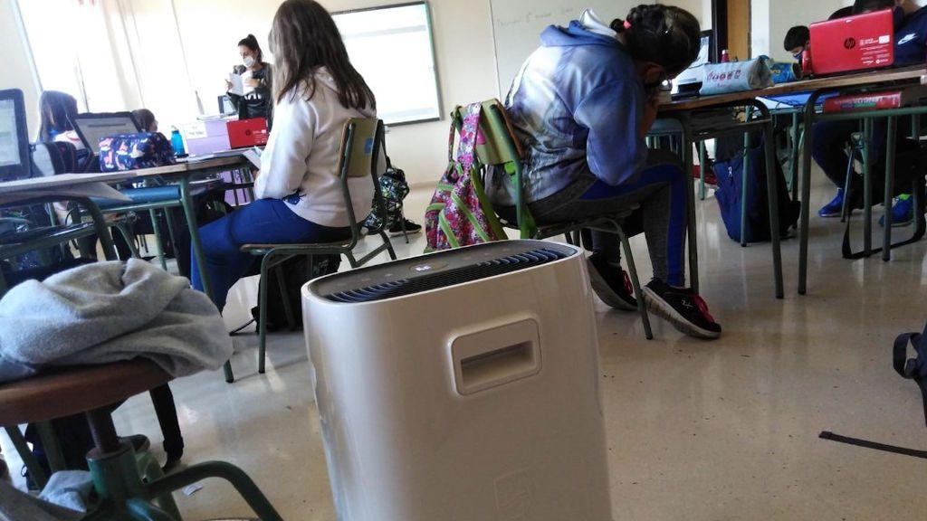 """Poner filtros HEPA en las aulas para purificar el aire """"es una locura"""", según especialistas en sanidad ambiental"""
