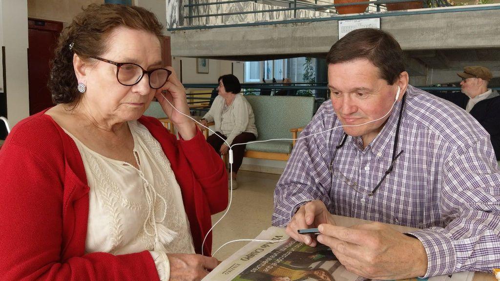 Aida con su hijo Marcelino, en una de las visitas a la residencia