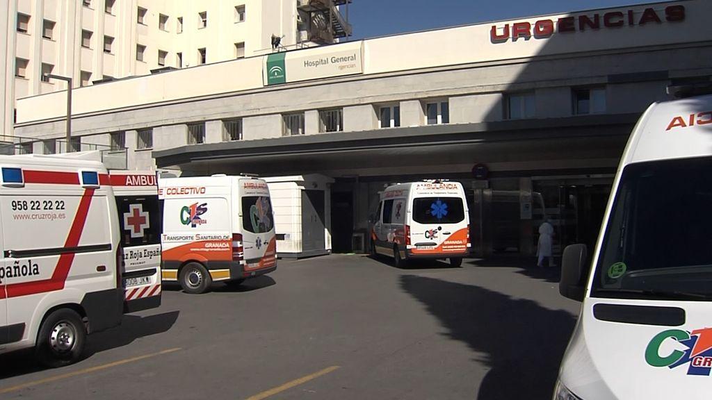"""Los hospitales de Granada, desbordados por el coronavirus: """"Lo más eficaz en este momento es el confinamiento domiciliario"""""""