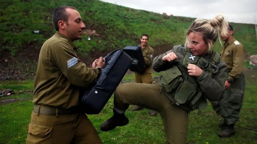 El ejército de Israel prepara un equipo de mujeres soldados para luchar contra Hezbollah