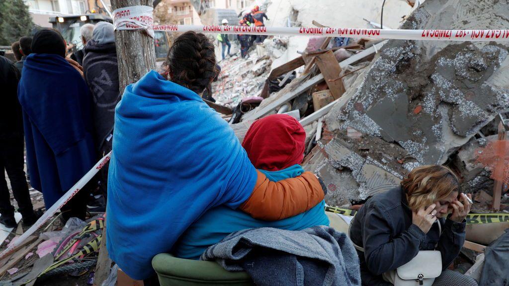 El terremoto en el Egeo deja un saldo de 27 muertos y más de 800 heridos en Grecia y Turquía