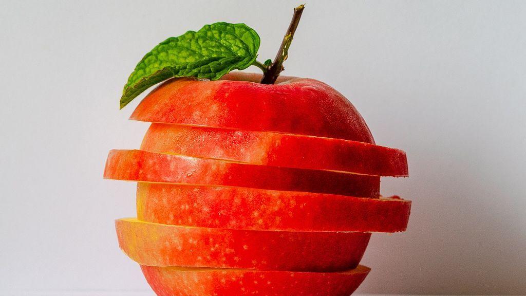 Si estás buscando eliminar arrugas pero no sabes con qué, el vinagre de manzana es la opción.