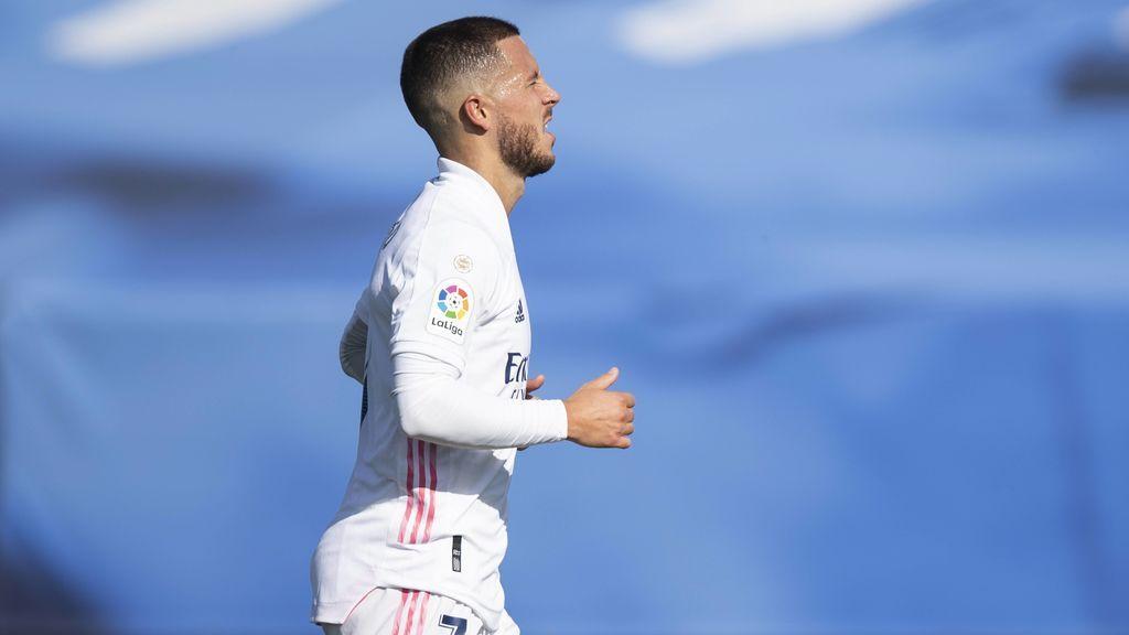 Hazard marca, pero sigue sin sonreír: la no celebración de su gol que ha sorprendido a todos después de 392 días sin hacerlo