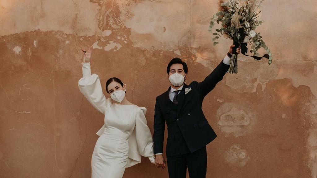 7 mascarillas de diseño para novias con las que triunfarás el día de tu boda: así podrás ir segura y a la moda.