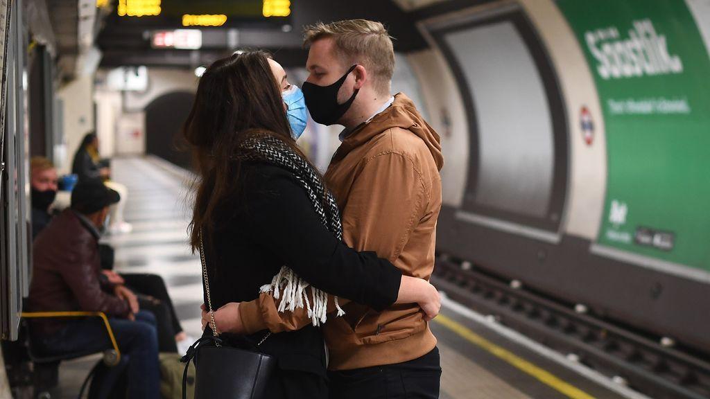 Reino Unido marca un nuevo récord diario de contagios y supera el millón de casos confirmados