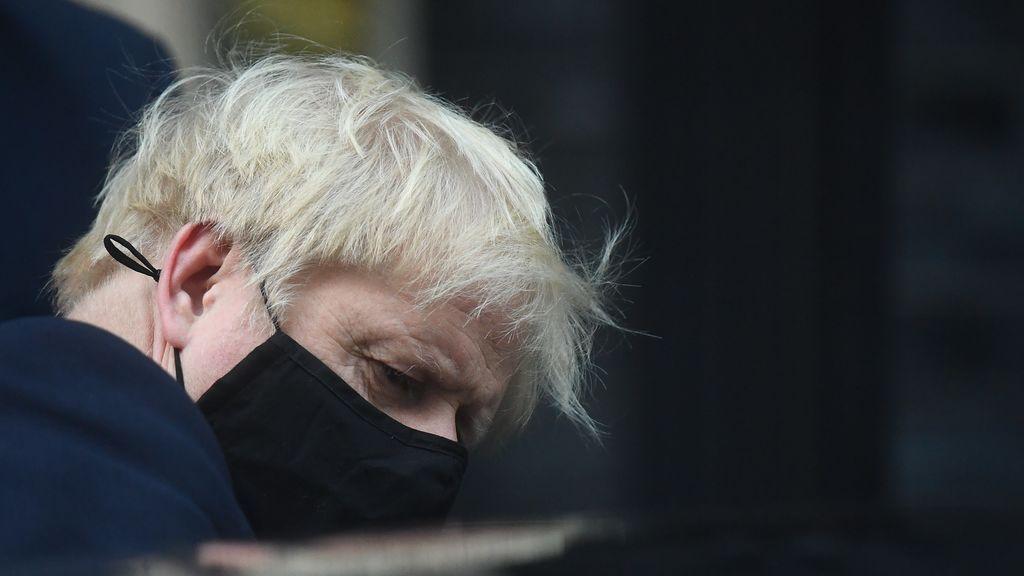 """Boris Johnson: """"No hay otra alternativa"""" que el confinamiento desde este jueves"""