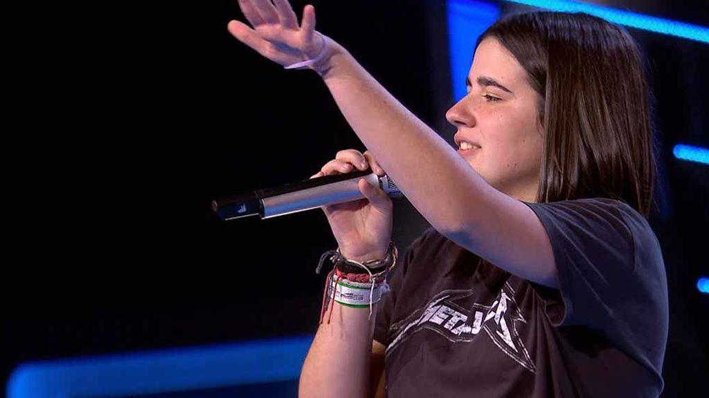 Ariana pone en pie al público con su rock and roll pero se queda fuera del ranking