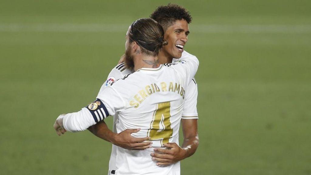 """Varane se elogia a si mismo hablando de Sergio Ramos: """"Yo le hago mejor"""""""