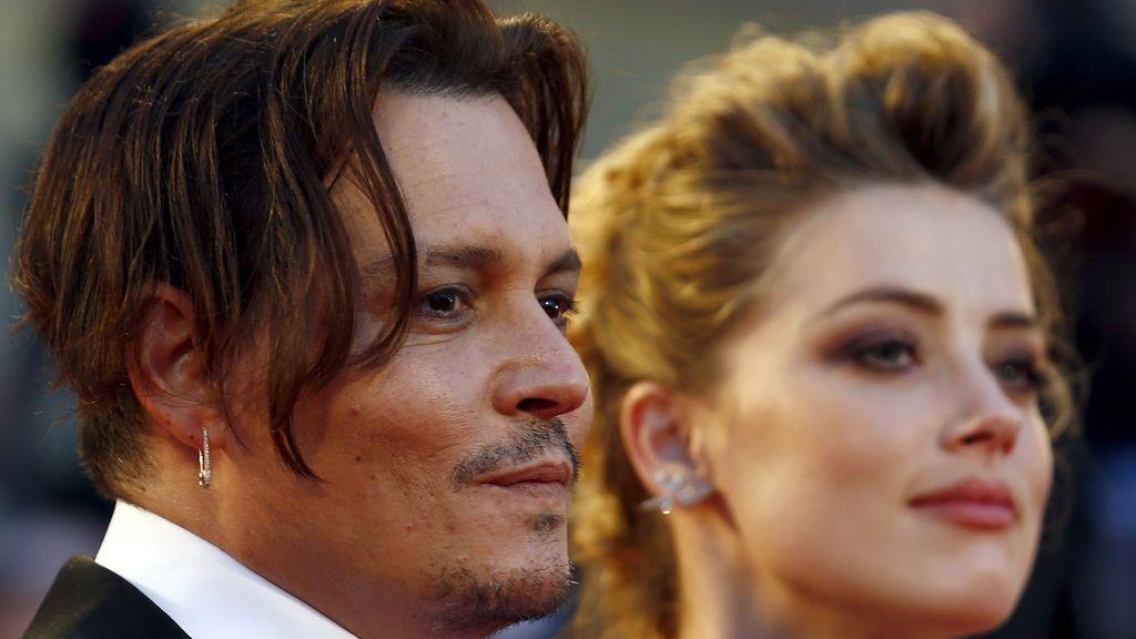 Depp y esposa