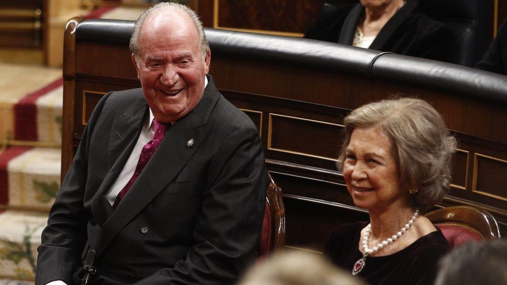 Anticorrupción investiga a los reyes Juan Carlos y Sofía y a algunos de sus nietos por el uso de tarjetas opacas