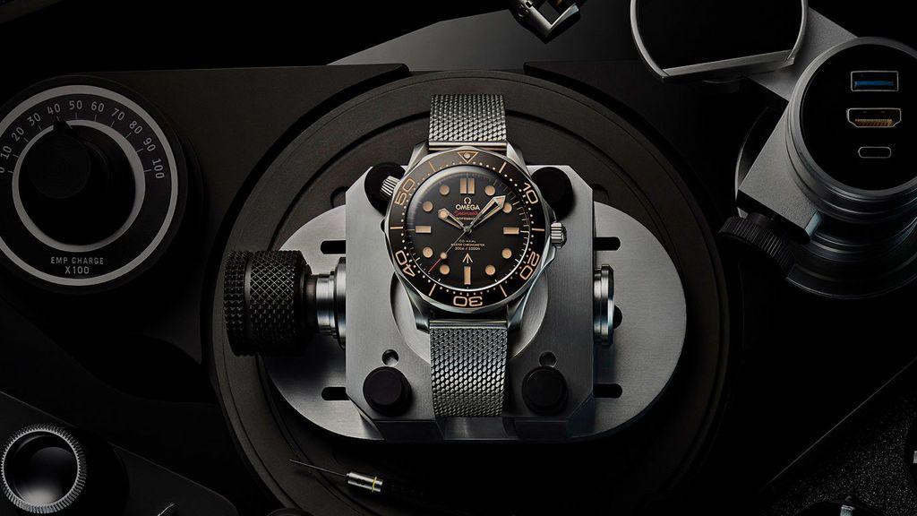 secret-agent-omega-watch-diver-300m-large