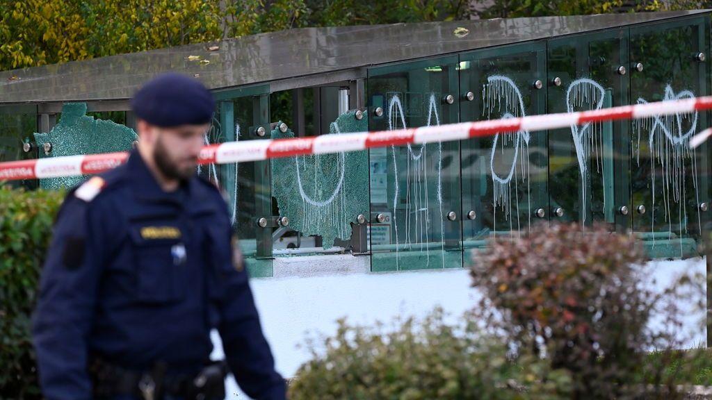 Operación policial en Austria para detener a más sospechosos de los atentados terroristas