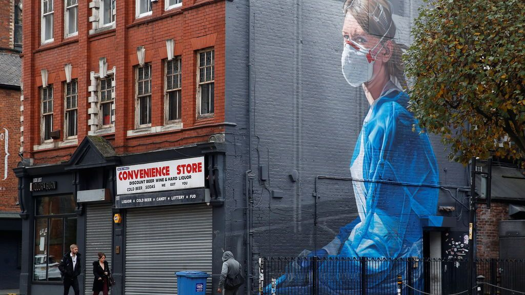 Mural sobre la pandemia de covid19 en Manchester, Inglaterra