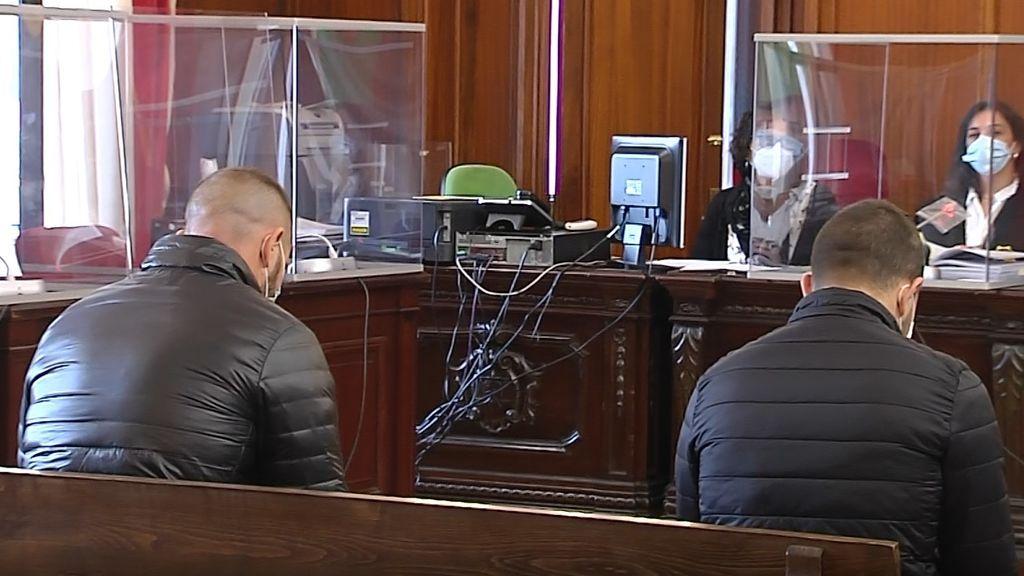 """Juicio a los dos atracadores que asesinaron a un joyero de Carmona: """"No recuerdo si le di un rodillazo en la cabeza"""""""