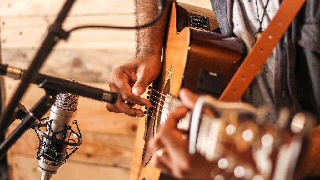 Cómo amplificar una guitarra española o acústica para conseguir el mejor volumen