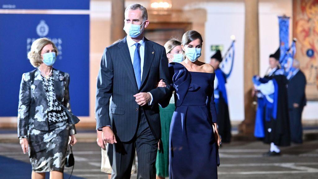 La familia real, a su entrada a los Princesa de Asturias 2020