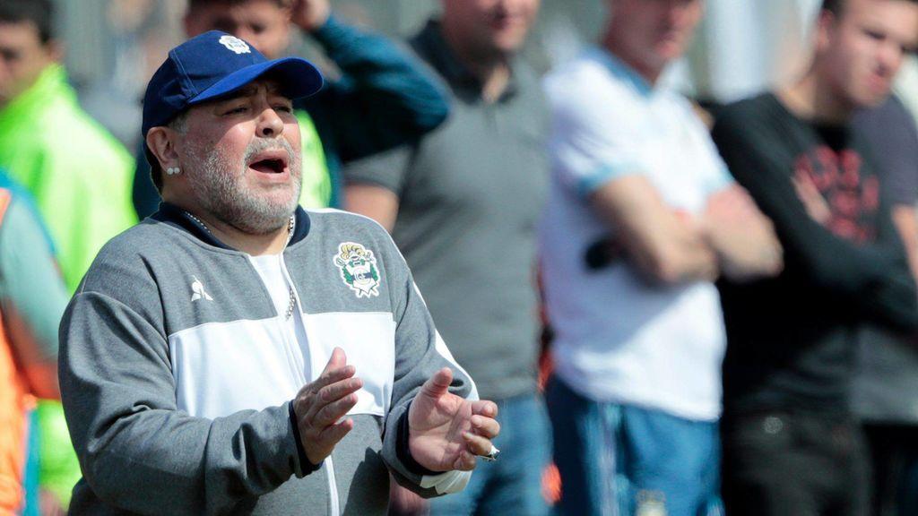 Maradona, operado con éxito de un coagulo en el cerebro