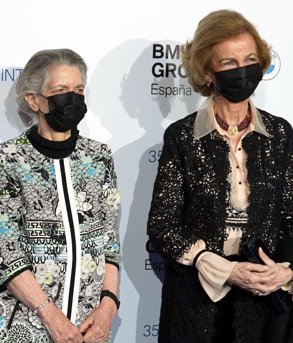 Irene de Grecia acompaña a la emérita a los premios BMW de pintura