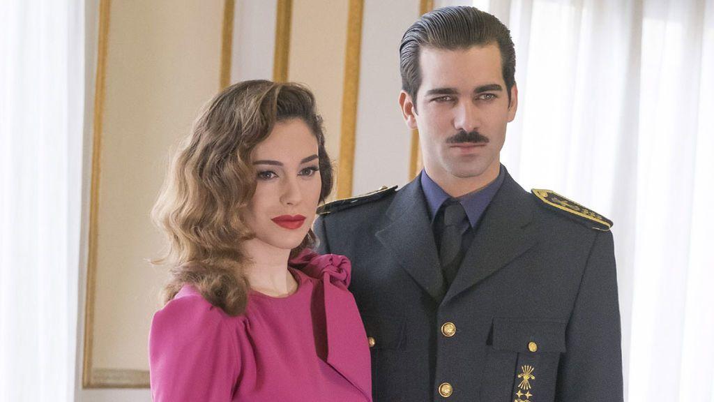 Blanca Suárez y Rubén Cortada, en 'Lo que escondían sus ojos'