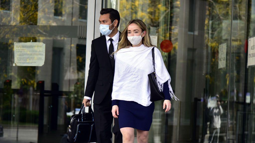 La esposa de Josep Maria Mainat, Angela Dobrowolski, llega al juzgado