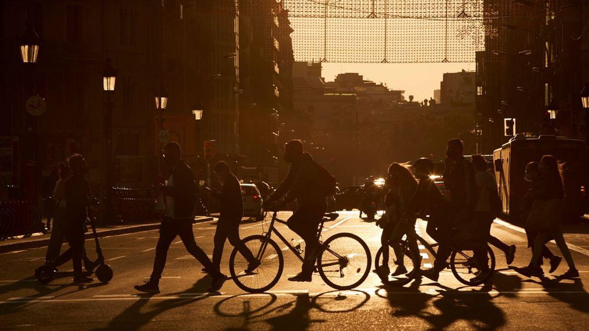 ¿Por qué las epidemias tienen una evolución cíclica?: el papel del sol, clave en la propagación de los virus
