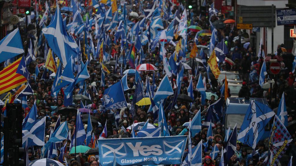 El Covid, el Brexit y el odio a Johnson atizan el independentismo escocés