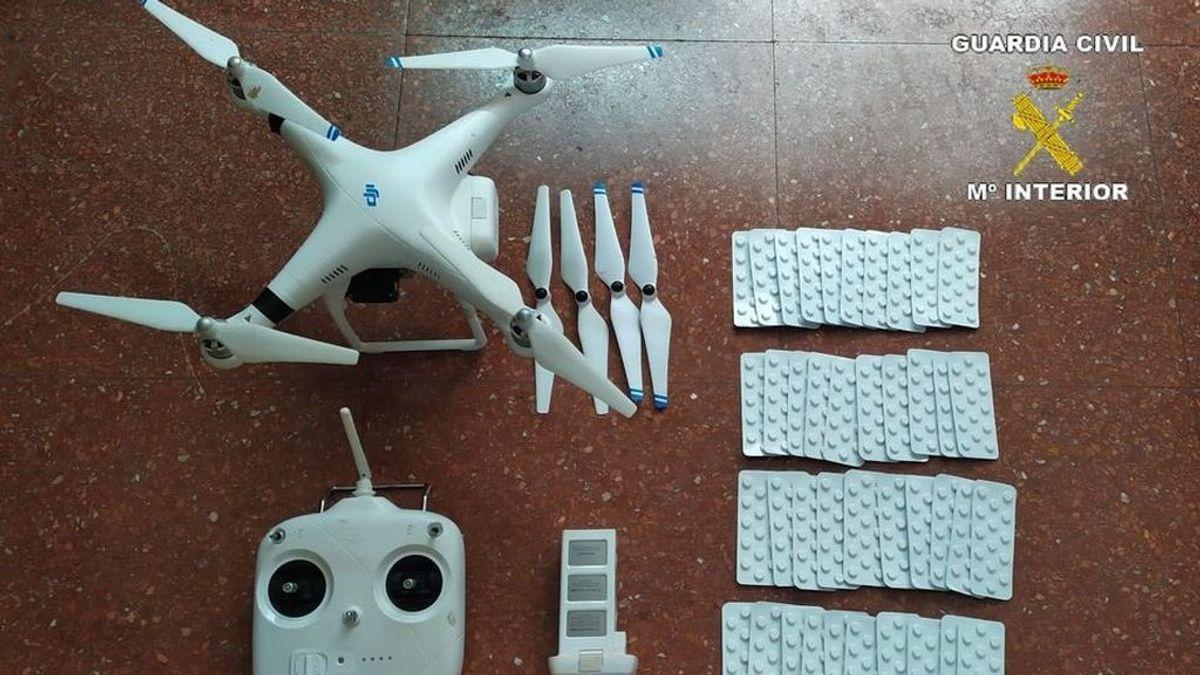 Detenido en Melilla un menor que pasaba a Marruecos medicamentos psicotrópicos con un dron sobre la doble valla