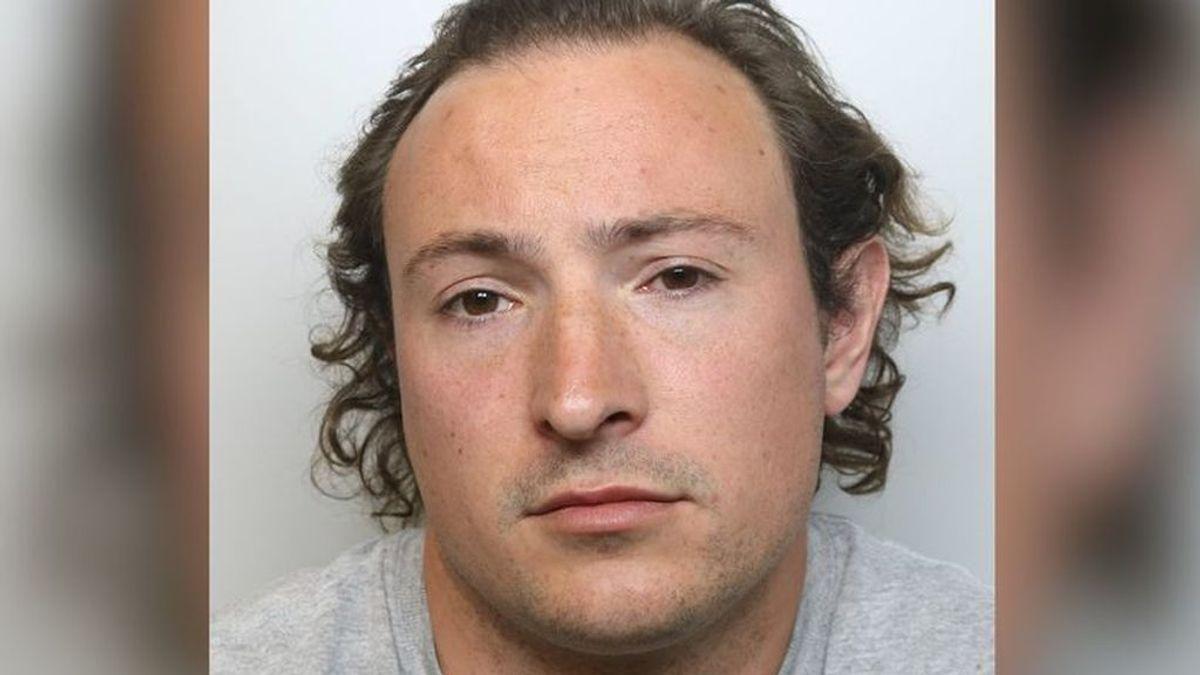 """Un pedófilo que se salvó de la cárcel, cazado tras """"jugar a tocar el culo"""" a varias jóvenes cuando salía a correr"""