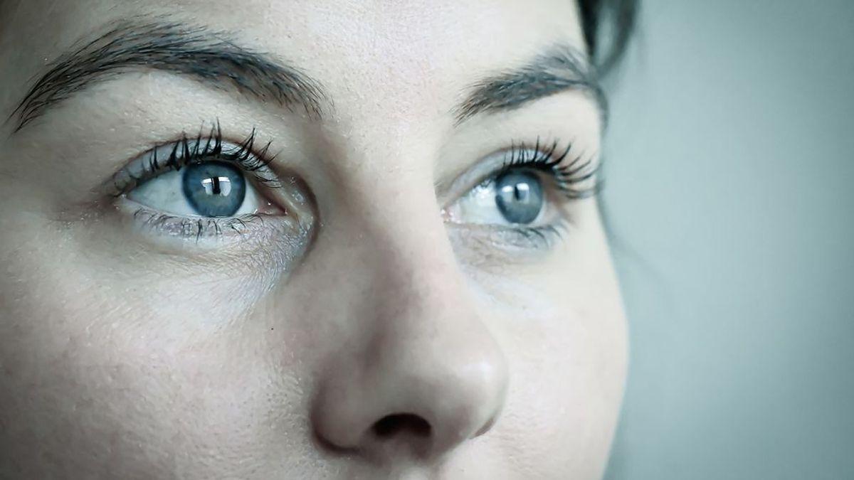 Consejos para cuidar tu vista: hidratación y buena alimentación, entre ellos
