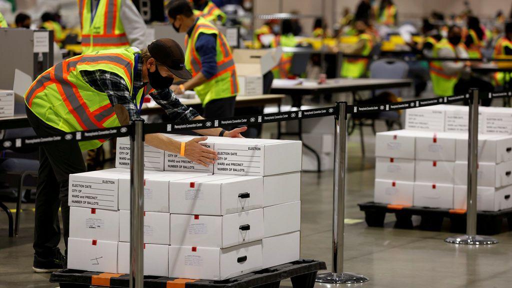 La policía frustra un supuesto ataque contra el Centro de Convenciones de Filadelfia durante el recuento de votos