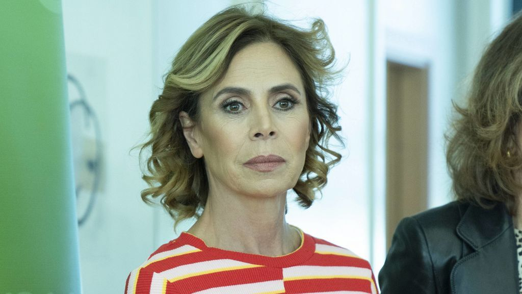 """Ágatha Ruiz de la Prada, destrozada tras la muerte de Perro Jota, uno de los """"grandes amores de su vida"""""""