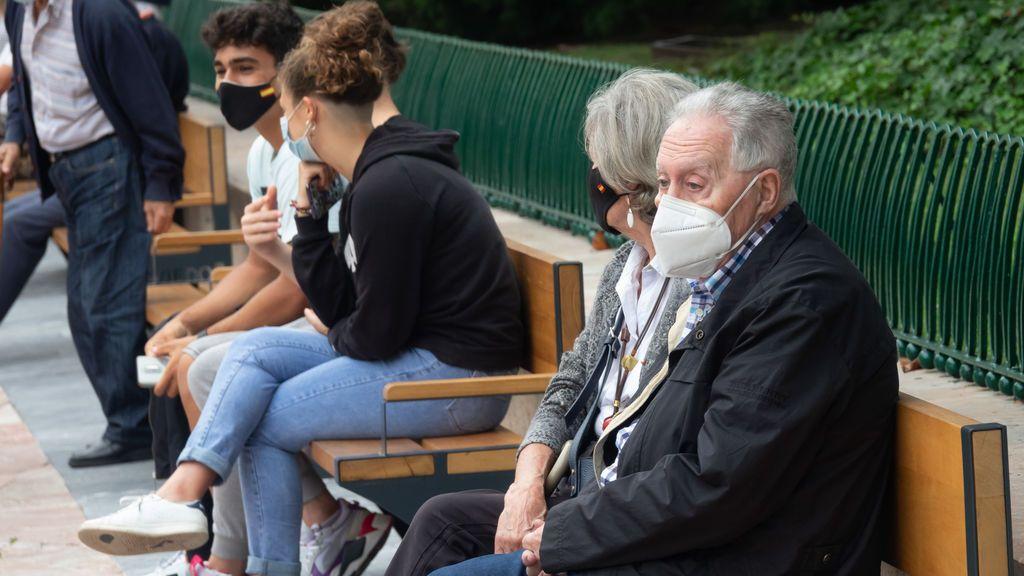 """Las mascarillas """"podrían inmunizar frente a las formas graves de covid19"""", según varios estudios"""