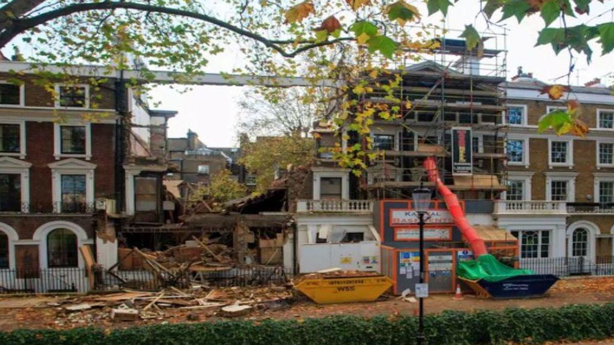 Una mansión de más de diez millones de euros colapsa en el centro de Londres: remodelaban el sótano