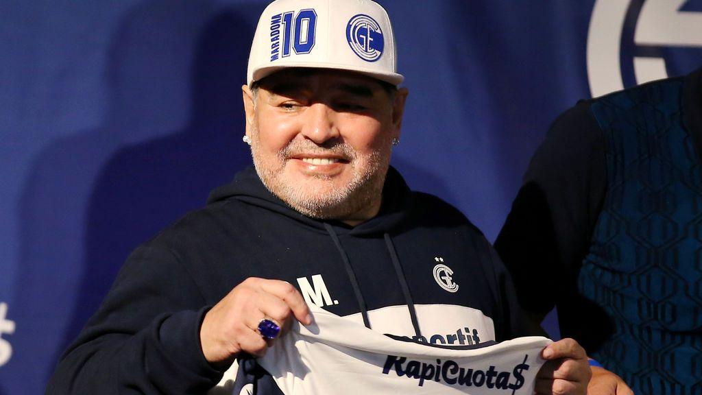 Diego Armando Maradona sufre un cuadro agudo de abstinencia.