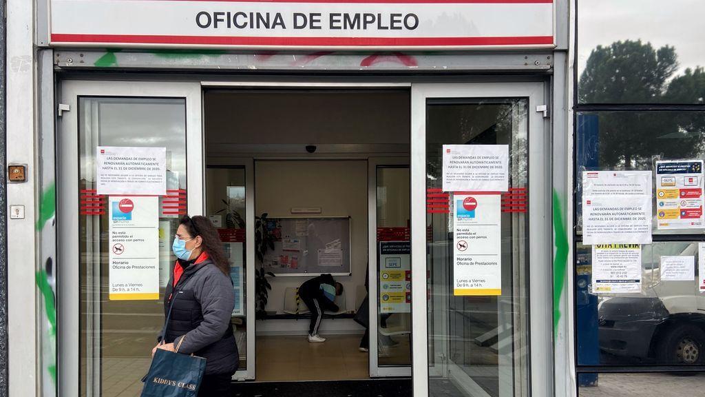 Los parados que hayan agotado prestaciones podrán solicitar ya el nuevo subsidio de 430 euros