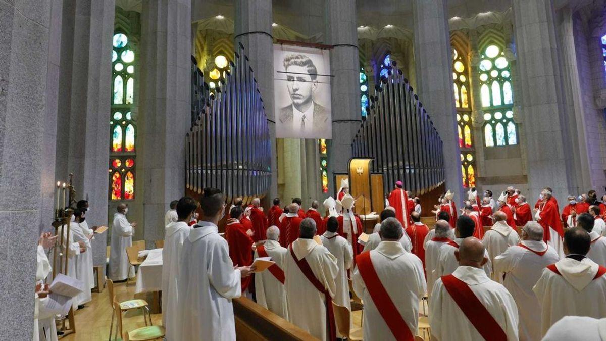 La Generalitat de Cataluña abrirá un expediente por el acto con casi 600 personas celebrado en la Sagrada Familia