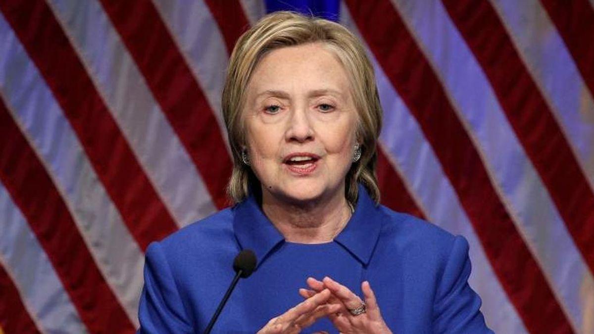 """Hillary Clinton celebra la victoria de Biden: """"Una nueva página para América"""""""