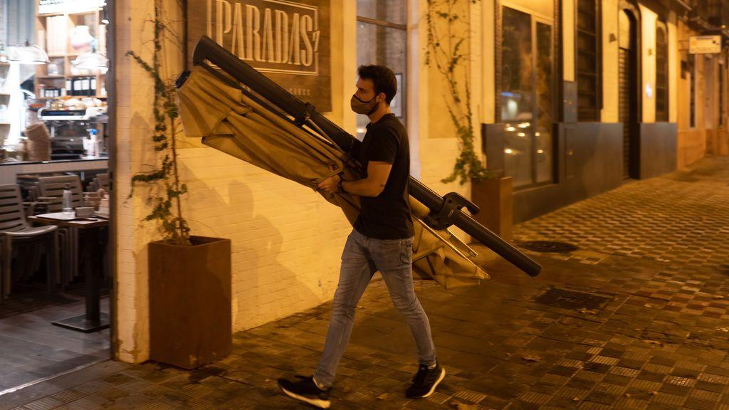 La Junta de Andalucía decreta el cierre de la hostelería en toda la comunidad