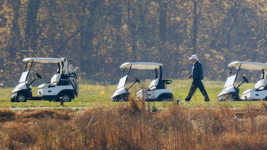 Trump acude a su club de golf