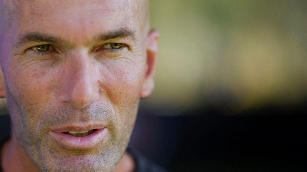 """Zidane se disculpó uno a uno con los jugadores del Real Madrid tras la derrota en Valencia: """"La culpa es mía"""""""