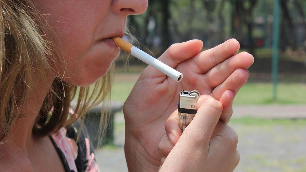 Más de un 40% de los accesos a los centros escolares y de los parques infantiles tienen nicotina