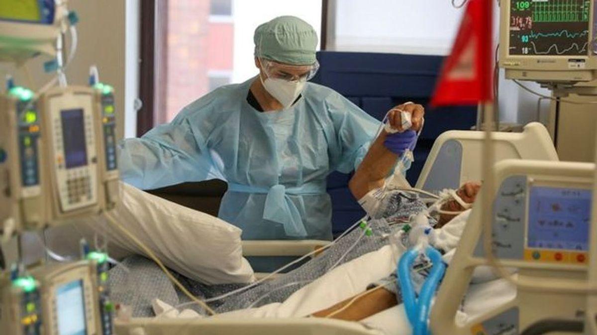 ¿Qué síntomas tienen los pacientes de covid19 con más riesgo de UCI y muerte?
