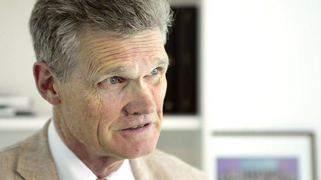 """John Bell, investigador de la vacuna de Oxford: """"¿Volverá la normalidad en la próxima primavera? Sí, sí sí"""""""