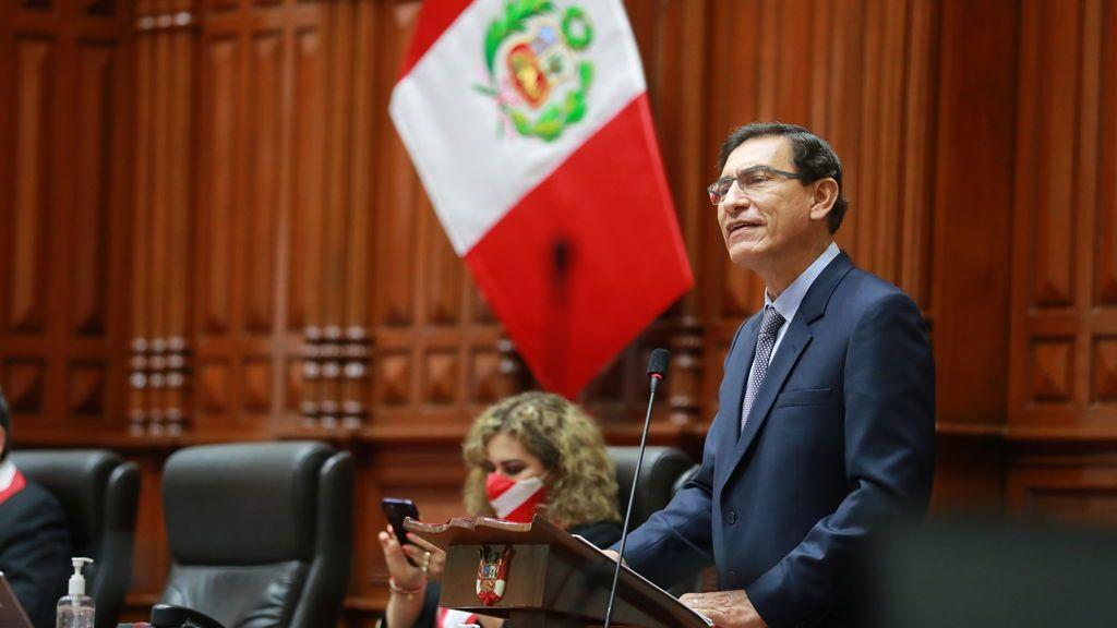 Perú destituye al presidente Martín Vizcarra acusado de corrupción cuando era gobernador