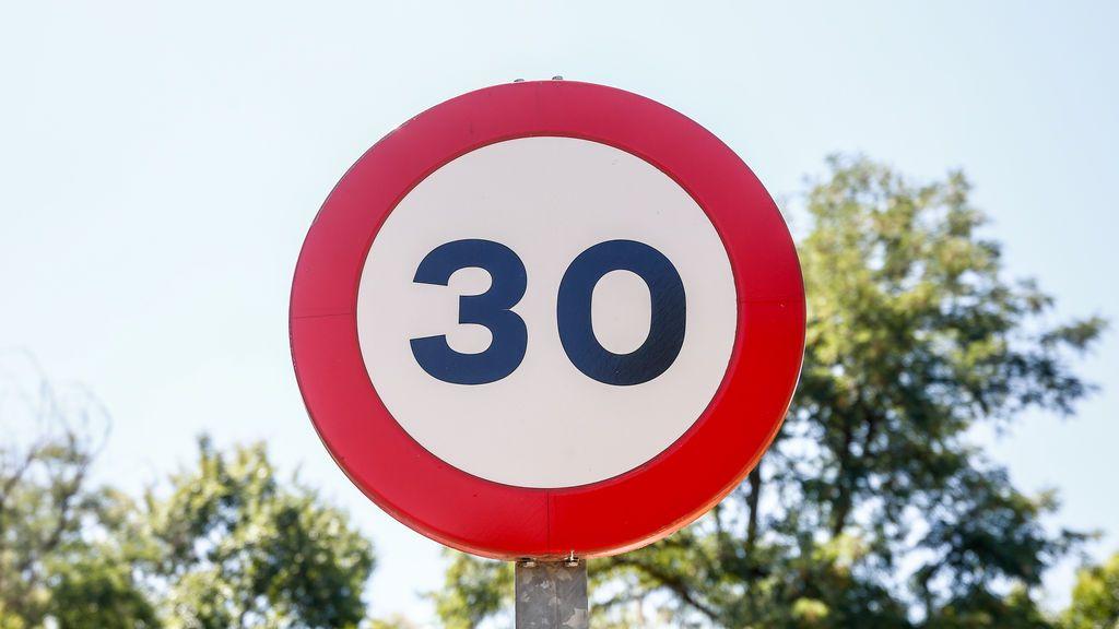 Tráfico echa el freno y reduce la velocidad a 30km/h en las calles de una sola dirección