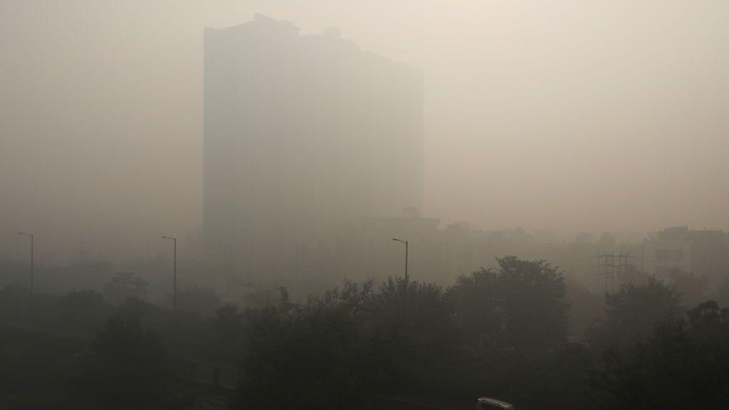 La contaminación en India y agrava la crisis por la COVID-19