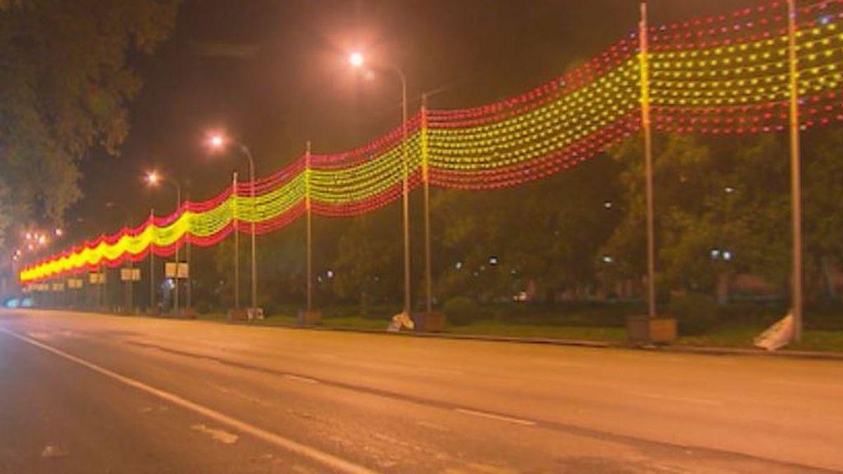Banderas de España para iluminar la Navidad en Madrid