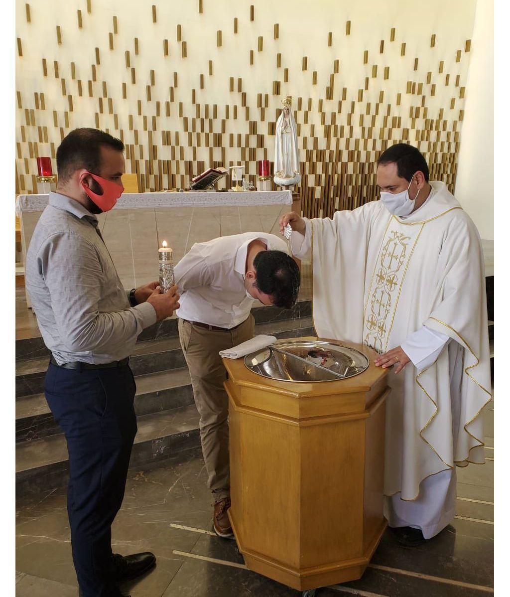 José Luis, el prometido de Jennifer, el día que se convirtió al catolicismo
