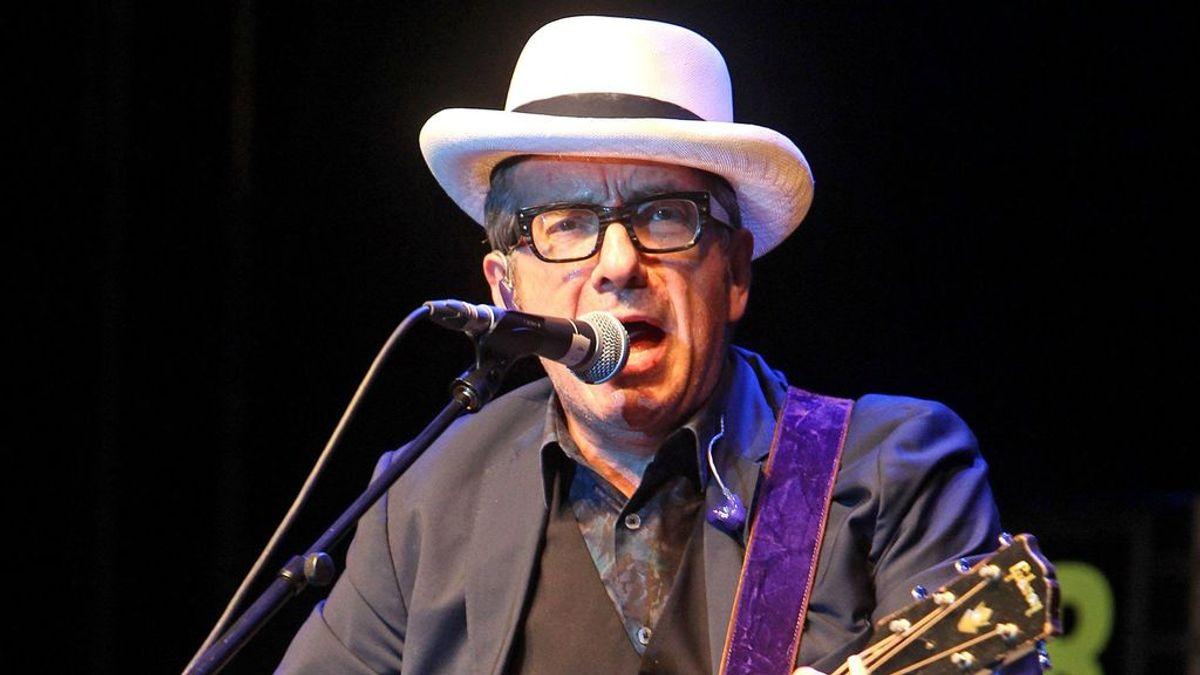 """Elvis Costello, su nuevo disco y la imposibilidad de presentarlo en directo: """"no quiero poner en riesgo a mi madura audiencia"""""""